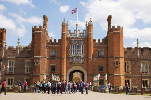Hampton Court Palace: London