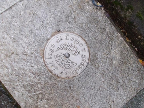 plaque for Greenway del lago