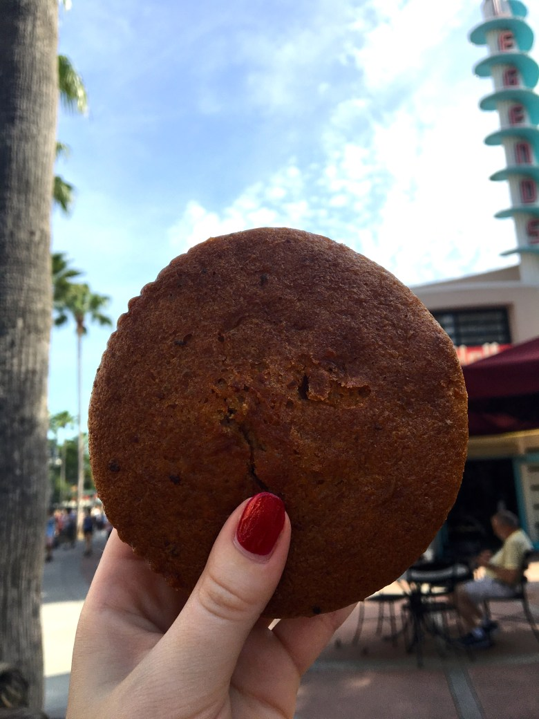 Hollywood Studios, Carrot Cake Cookie, Starbucks, Trolley Car Cafe