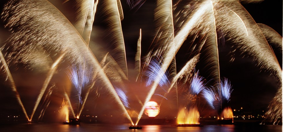 IllumiNations, IllumiNations Reflections of Earth, Epcot