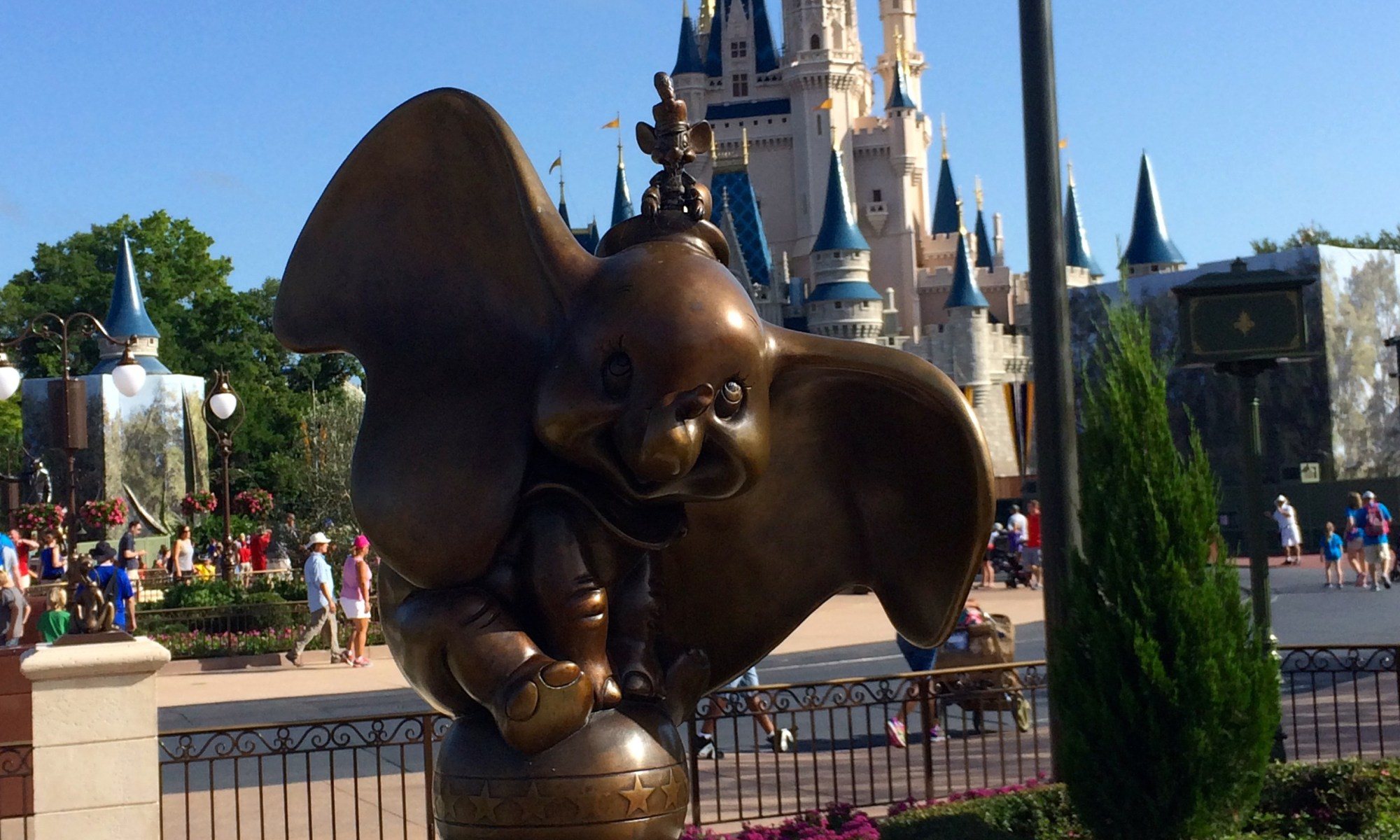 Walt Disney World, Dumbo, Character Statues, The Hub, Cinderella Castle