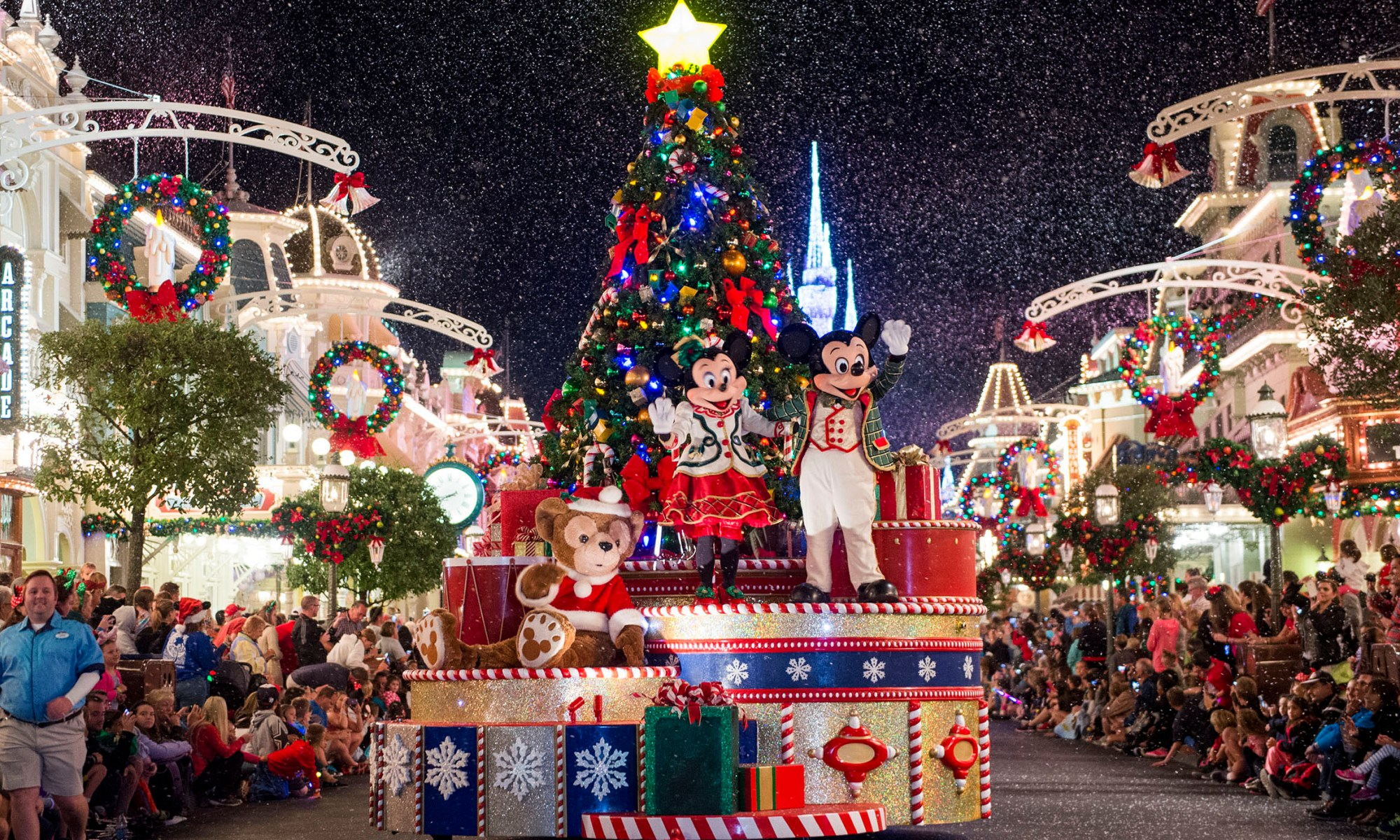 Photo of Minnie and Mickey during Mickey's Once Upon a Christmastime Parade