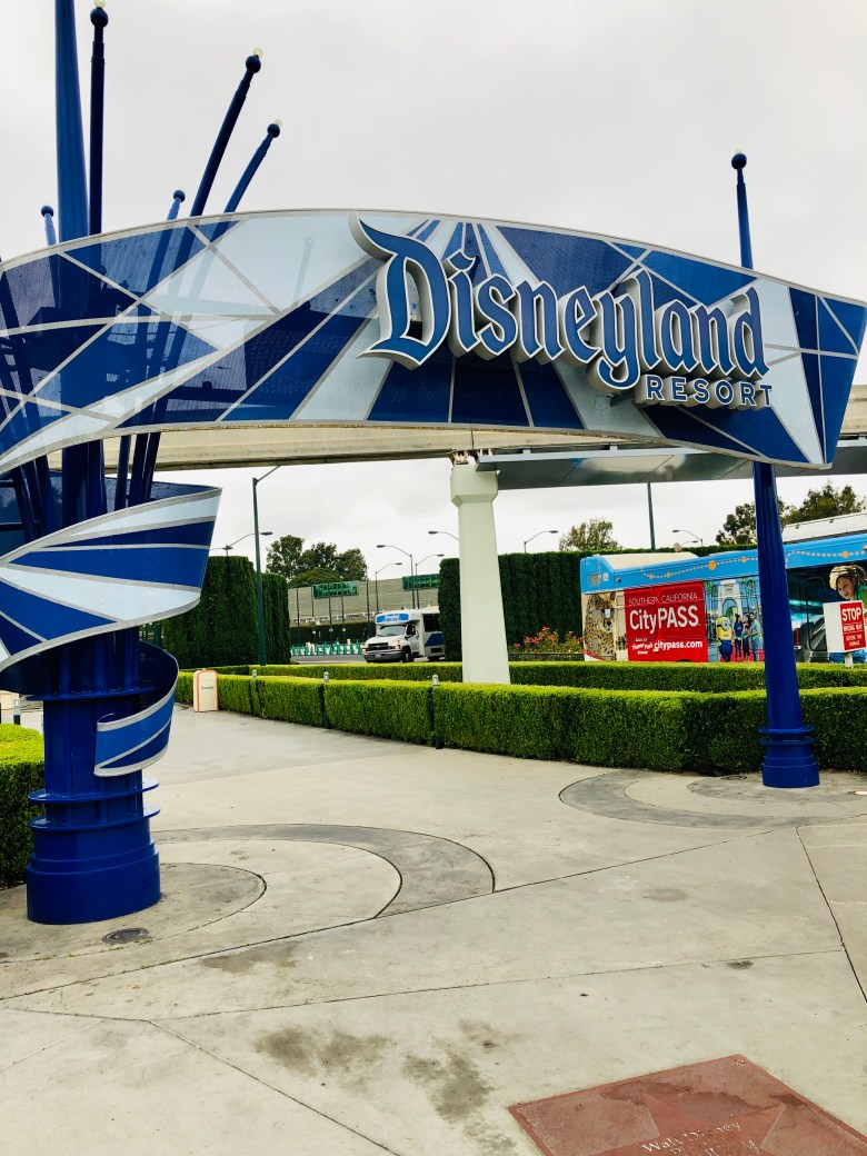 Photo of Disneyland welcome sign