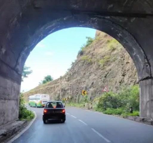 Mumbai Pune expressway - Best weekend getaways from Mumbai