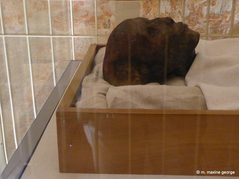 King Tut's mummy, valley of the kings egypt