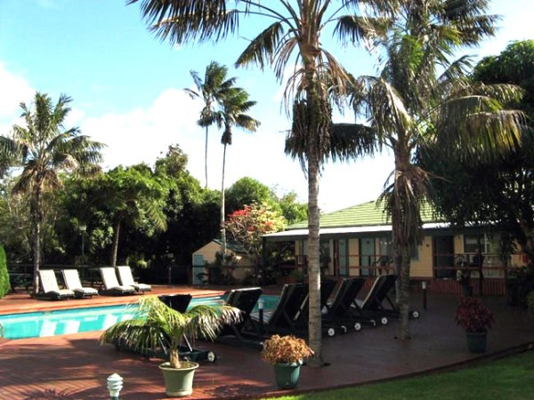Swimming pool at All Seasons Colonial Hotel, Norfolk Island. Photo courtesy of Barry and Heather Minton