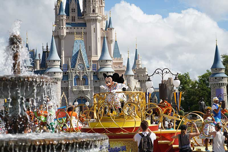 Disney Mickey and Minnie Parade Castle
