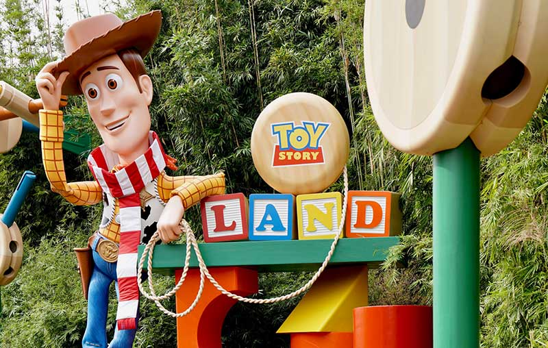 disney attractions with short lines