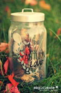 Sweet Autumn Love freebie Wunderfein - Oktober 2015