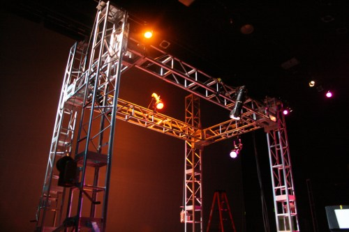 Kabuki Drop Light Truss
