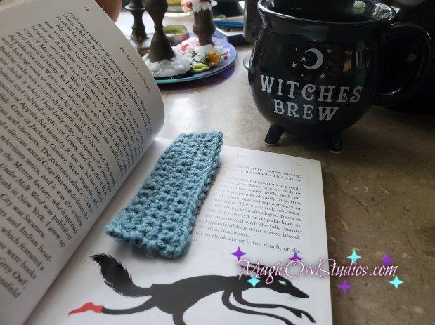 single crochet Bookmark in use