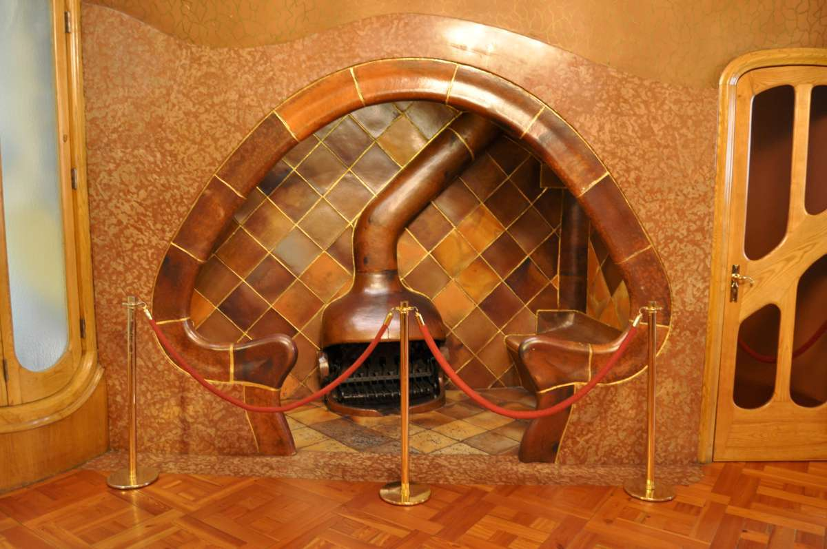 Barcelona  Casa Batllo  Magic Travels Around the World