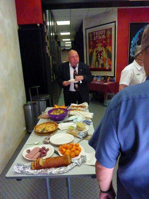 "Estivale : la table avant la ""ruée"". Ph. H. Guillard"