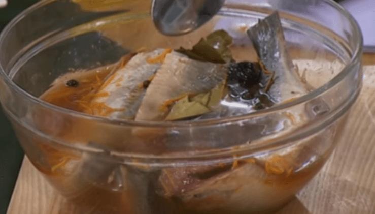 hvordan å salt sild hjemme velsmakende
