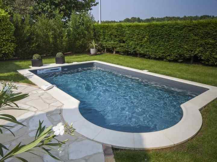 Aký je najvhodnejší vonkajší bazén pre malú záhradu?