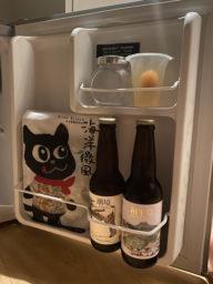 冰箱內的付費酒水及點心、果凍