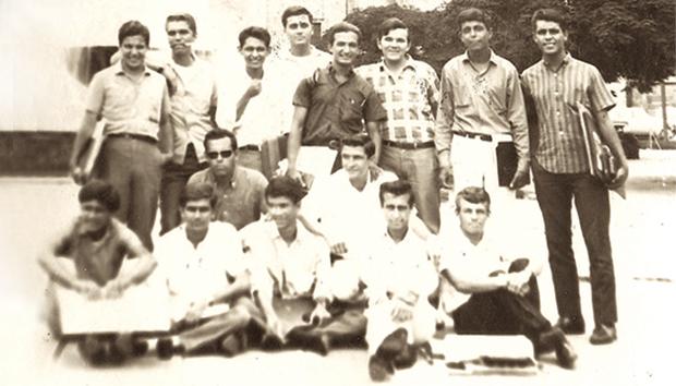Alumnos de la primera generación de Arquitectura del ITESO
