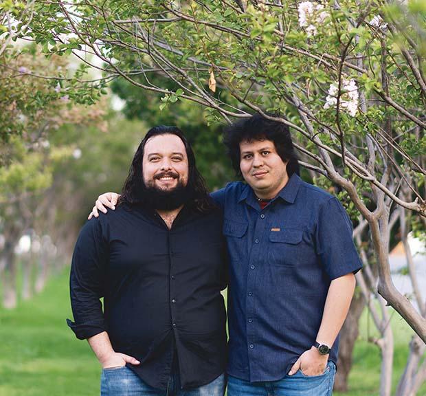René Dávila y Ricardo Ramos, de la Especialidad en Diseño de Sistemas en Chip. Foto: Roberto Ornelas
