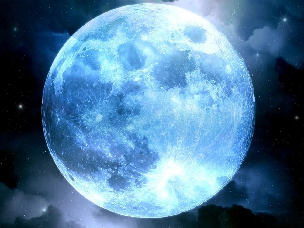 Luna Azul (1/4)