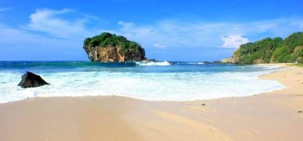 Keindahan Pantai Jungwok