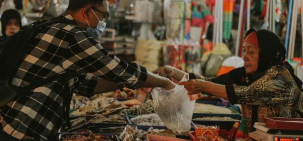 karakteristik ekonomi syariah