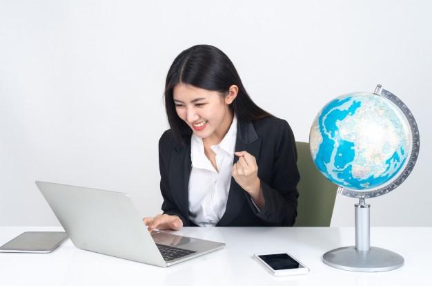 Cara Sukses Bekerja di Perusahaan Multinasional