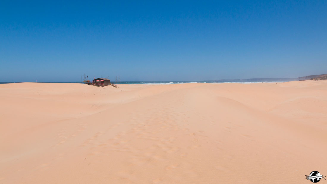 A praia da Bordeira
