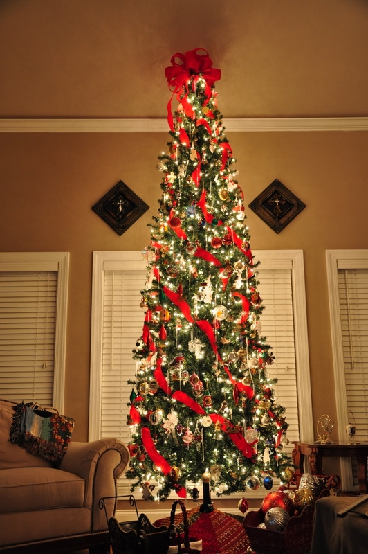 Curtains are the finishing touch that will give your apartment a polished look. 25 Awesome Slim Christmas Tree Decorations Ideas - MagMent