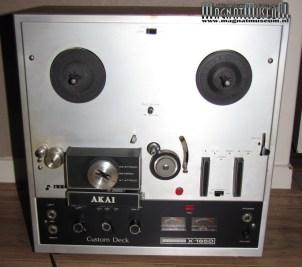 Akai X-165D