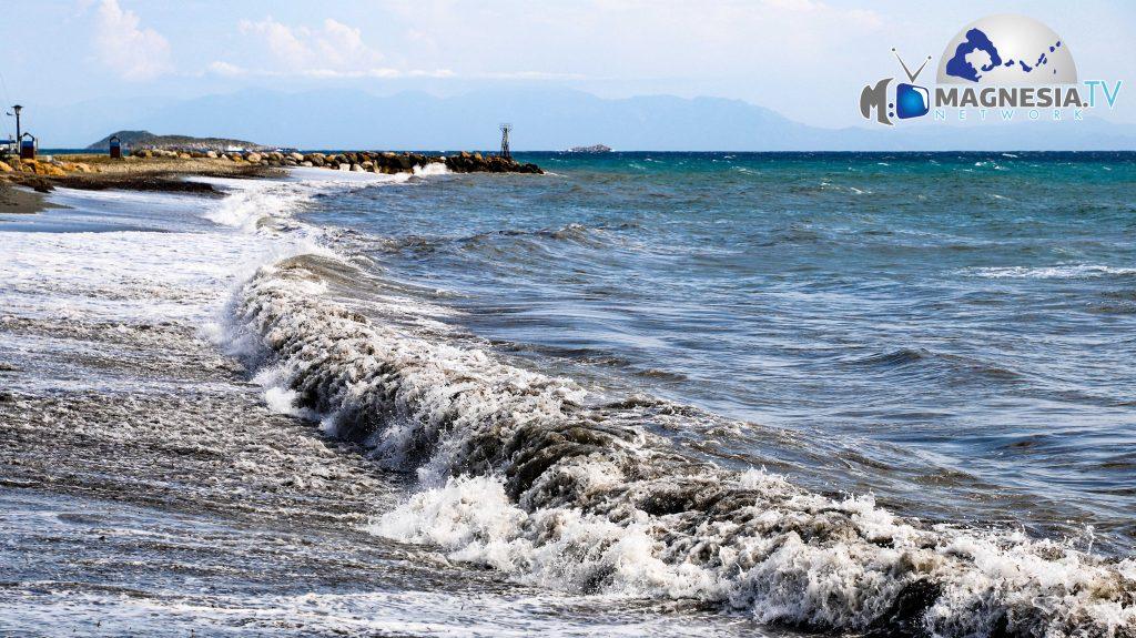 Loutraki Skopelos Waves 3