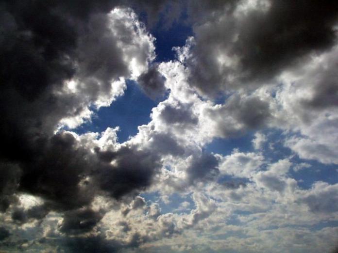 Αραιές συννεφιές και τοπικές βροχές…