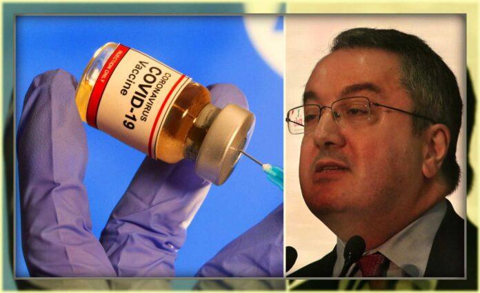 Μόσιαλος: Το εμβόλιο της Οξφόρδης είναι πολύ αποτελεσματικό στους ηλικιωμένους
