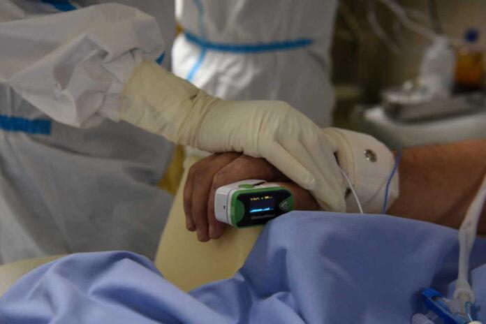 Πέθανε πνευμονολόγος που είχε νοσήσει από κορωνοϊό