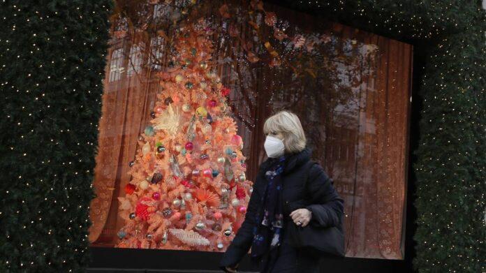 Πώς θα περάσουμε τα Χριστούγεννα φέτος; Τι εξετάζεται για εξορμήσεις και ψώνια