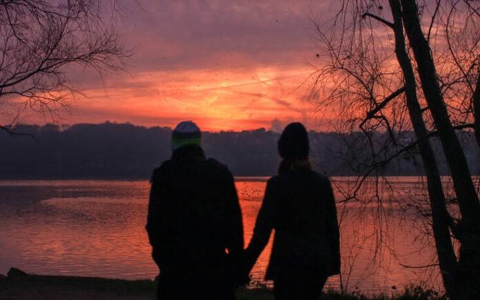 Τον χώρισε αλλά επειδή είναι ακόμα ερωτευμένος μαζί της έκανε κάτι που «έγραψε»