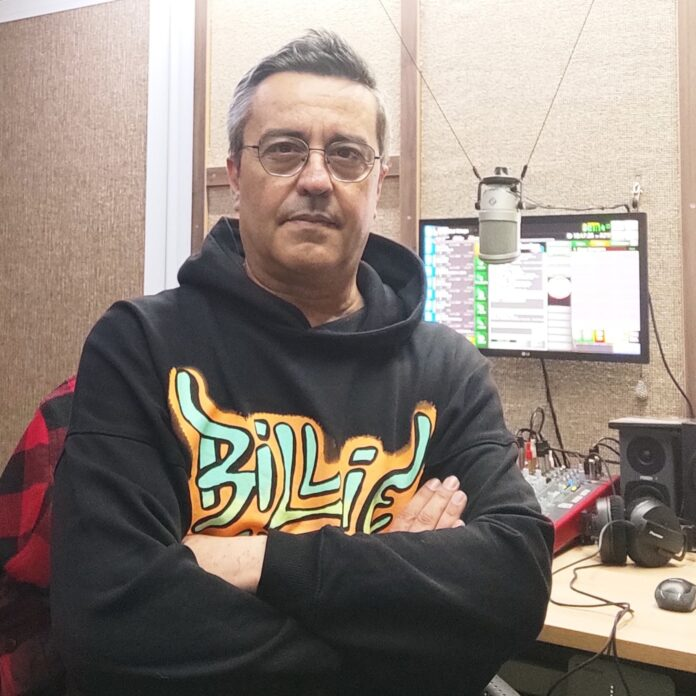 Ο DJ Δημήτρης Ιατρόπουλος «τρολάρει» την απόφαση για απαγόρευση της μουσικής