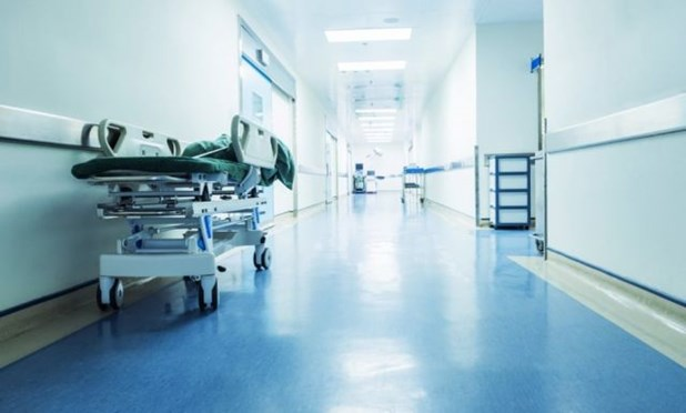 Σκουτέλης: Στα νοσοκομεία μπαίνουν ηλικιωμένοι που φοβήθηκαν να εμβολιαστούν