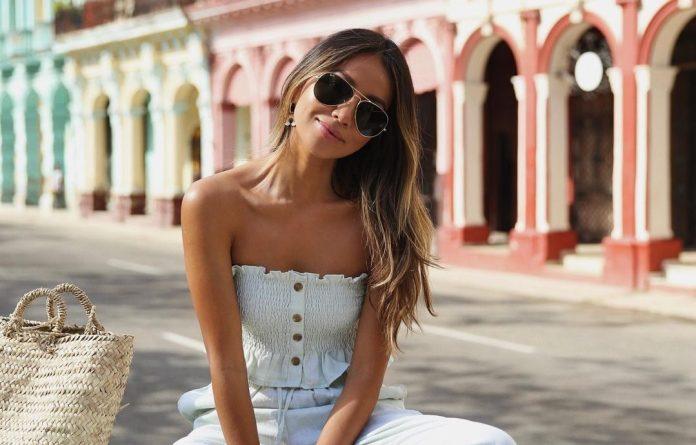 8 influencers που μας φέρνουν πιο κοντά στο καλοκαίρι με τα look τους