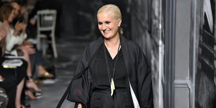 Το ταξίδι που έκανε η Maria Grazia Chiuri ανά την Ελλάδα με σκοπό να εμπνευστεί για την Dior Cruise 2022Collection