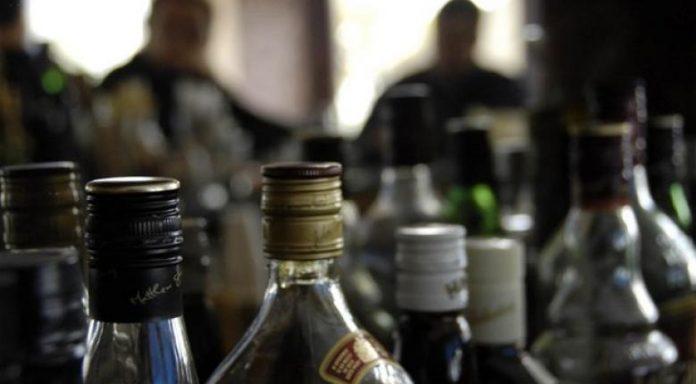 Ανήλικος μεταφέρθηκε λιπόθυμος από αλκοόλ στο νοσοκομείο