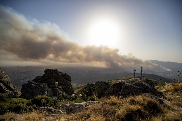 Εικόνες ολέθρου στη Βαρυμπόμπη: Σηκώθηκαν τα εναέρια μέσα – Ανυπολόγιστες οι ζημιές