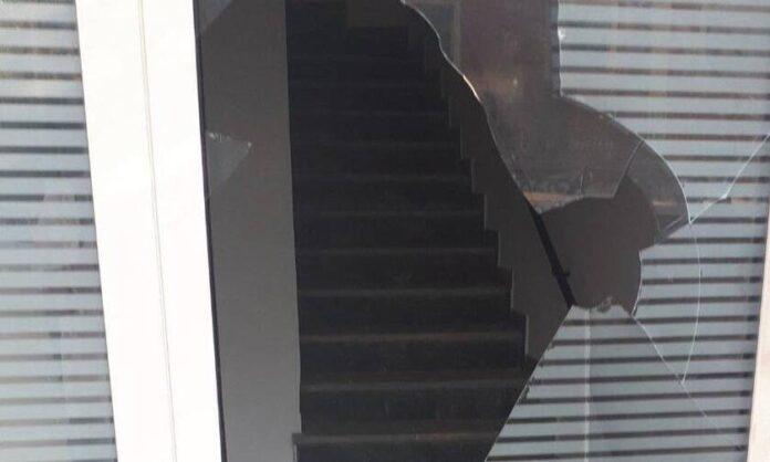 Κέρκυρα: Επίθεση στα γραφεία της Νέας Δημοκρατίας