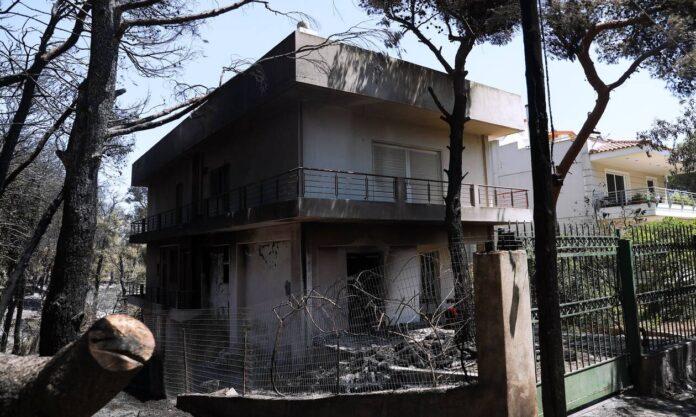 Φωτιές στην Ελλάδα: Ξεπέρασαν τις 1