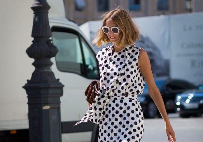 Όσα χρόνια και αν περάσουν, αυτό το φόρεμα θα είναι in-fashion. Μάλλον κάτι κάνει πολύ σωστά!