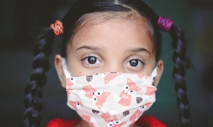 «Βόμβα» επιστημόνων Όλα τα ανεμβολίαστα παιδιά θα εκτεθούν στον ιό μέχρι τα Χριστούγεννα