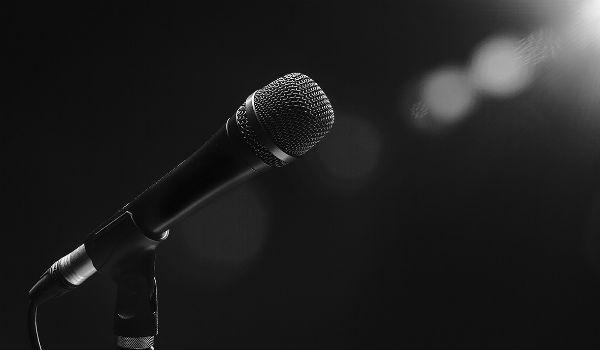 Χήρα λαϊκού τραγουδιστή πήγε στο τμήμα και συνελήφθη – Δείτε γιατί