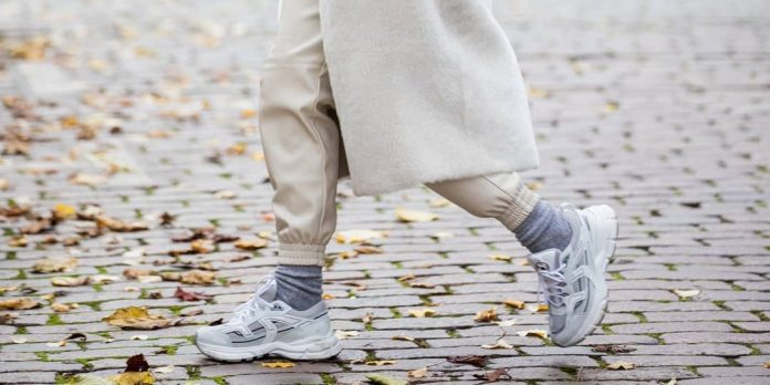 10 sneakers που θα φοράς από το πρωί (και γαιτί όχι;) μέχρι το βράδυ
