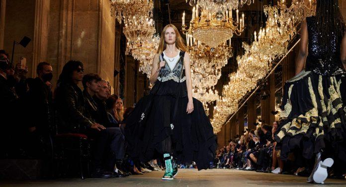 3 trends που είδαμε στο show του οίκου Louis Vuitton και ανυπομονούμε να φορέσουμε