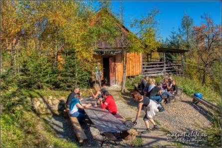 Miejsce odpoczynku przy chatce