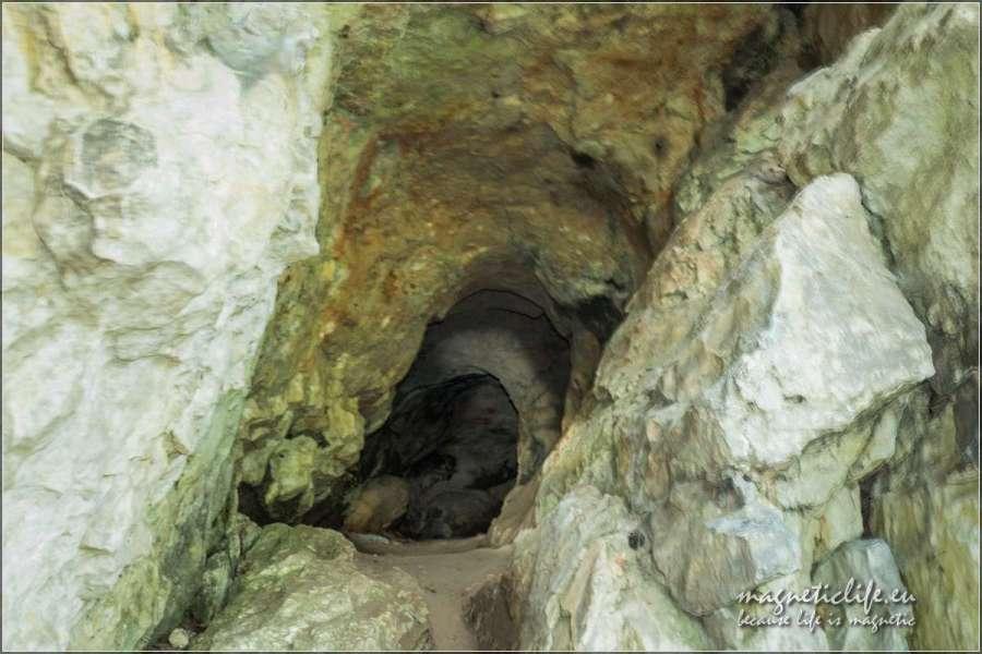 Skałki Jurajskie Studnia wamfiteatrze